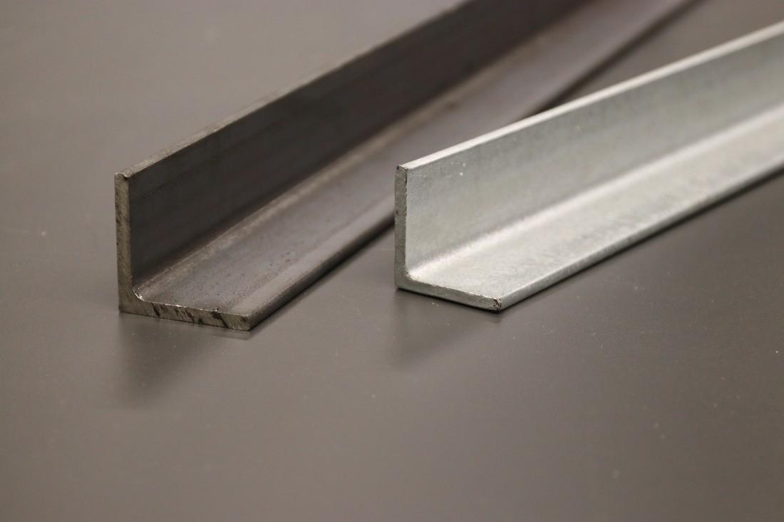 Stahl Winkel roh und verzinkt gleich