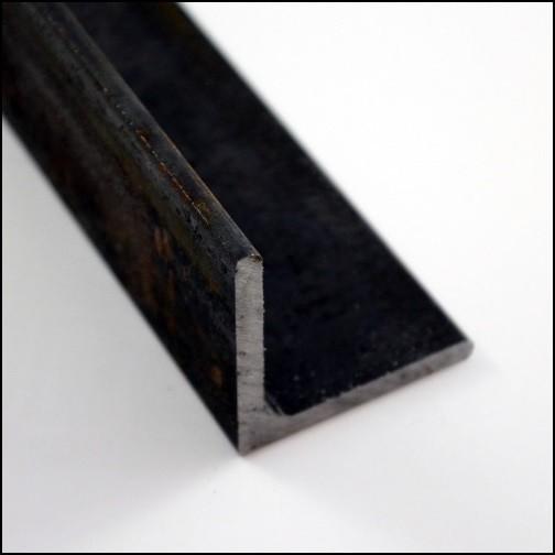 Stahlwinkel schwarz/roh/unbehandelt